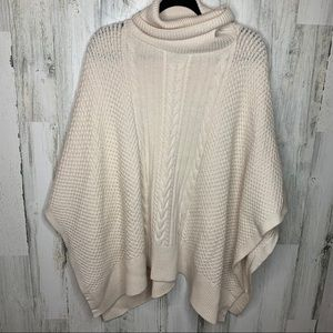 LULULEMON Rolling in the Warmth Poncho knit